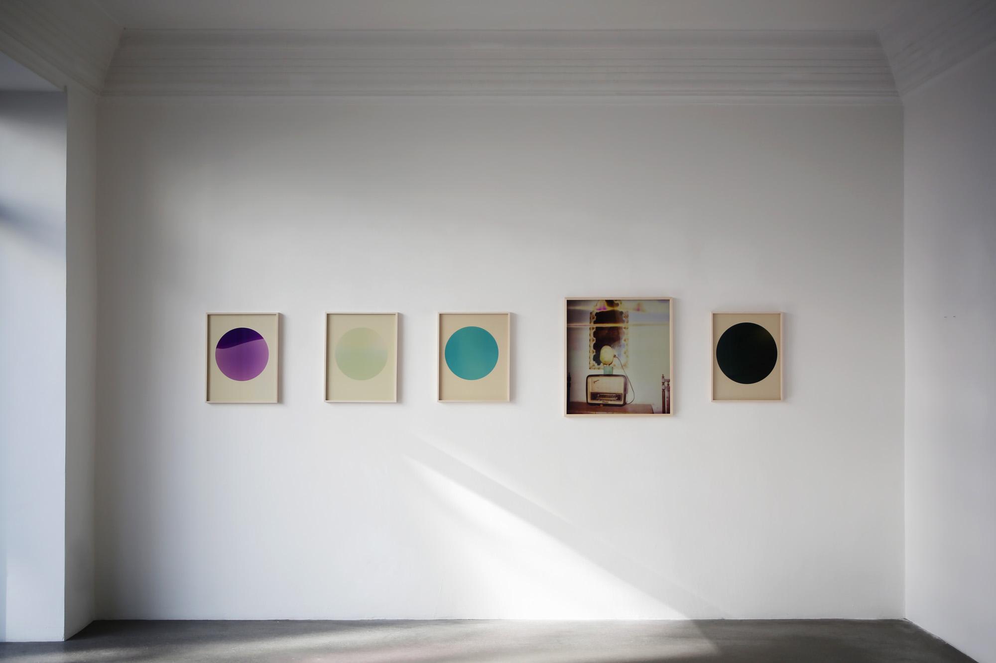 """Karsten Kronas """"Eternal Error"""" Ausstellungsansicht bei Engelage & Lieder"""